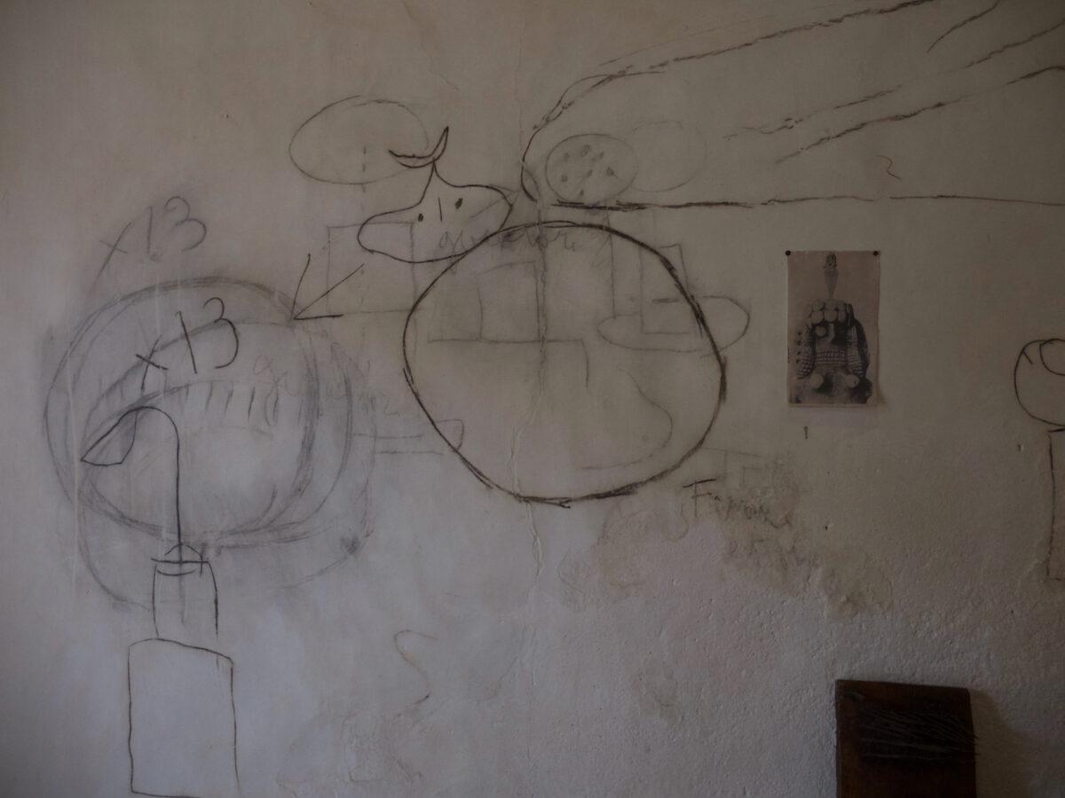 Doodles op de muur. Fundació van Joan Miró.